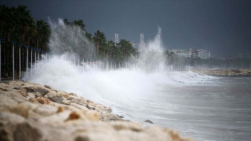 Meteoroloji'den Doğu Akdeniz için fırtına uyarısı