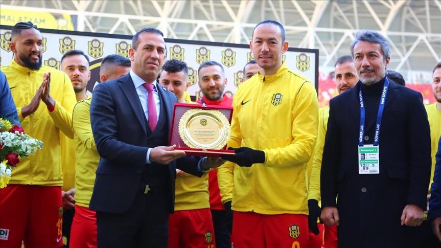 Umut Bulut, Süper Lig'de 504. maçına çıkarak tarihe geçti