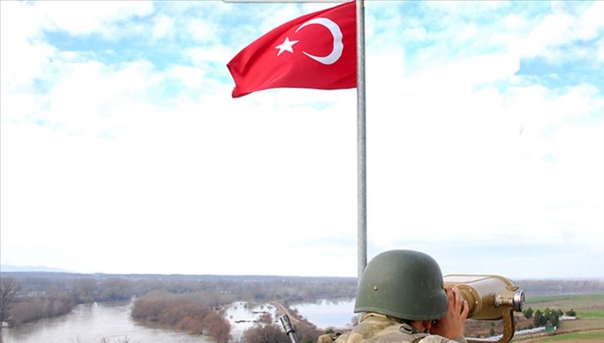 Yasa dışı yollarla Yunanistan'a kaçmaya çalışan 1'i FETÖ, 2'si PKK mensubu 5 kişi yakalandı