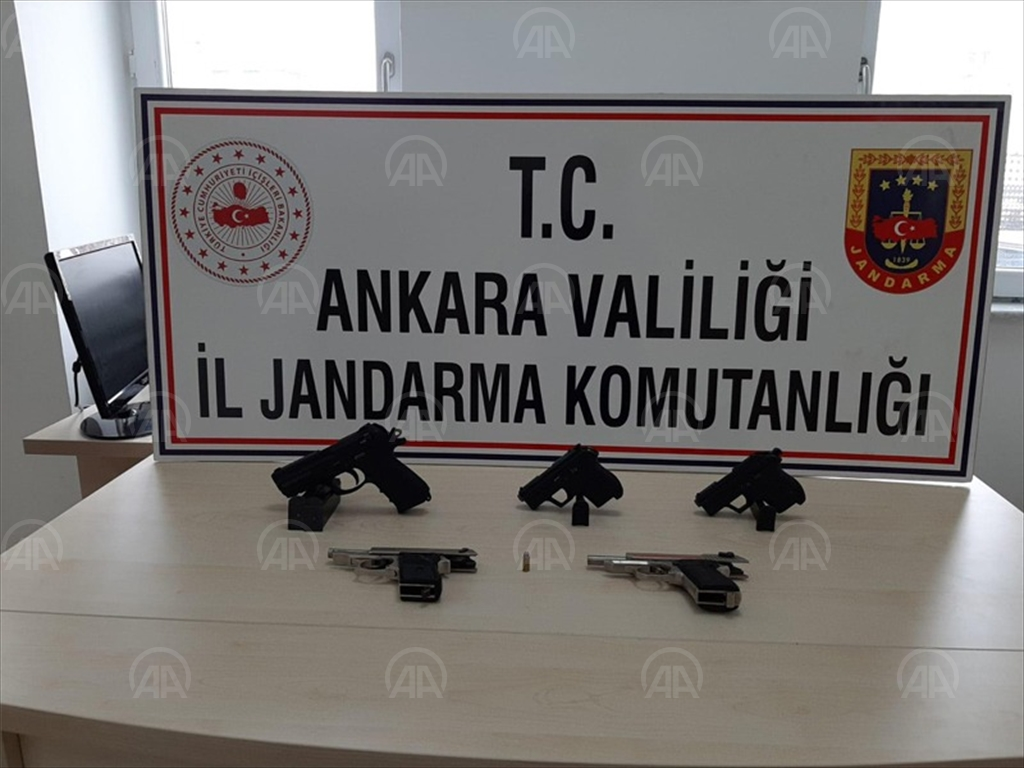 Başkent Ankara'da kaçak silah ticareti yapmakla suçlanan 1 kişi gözaltına alındı