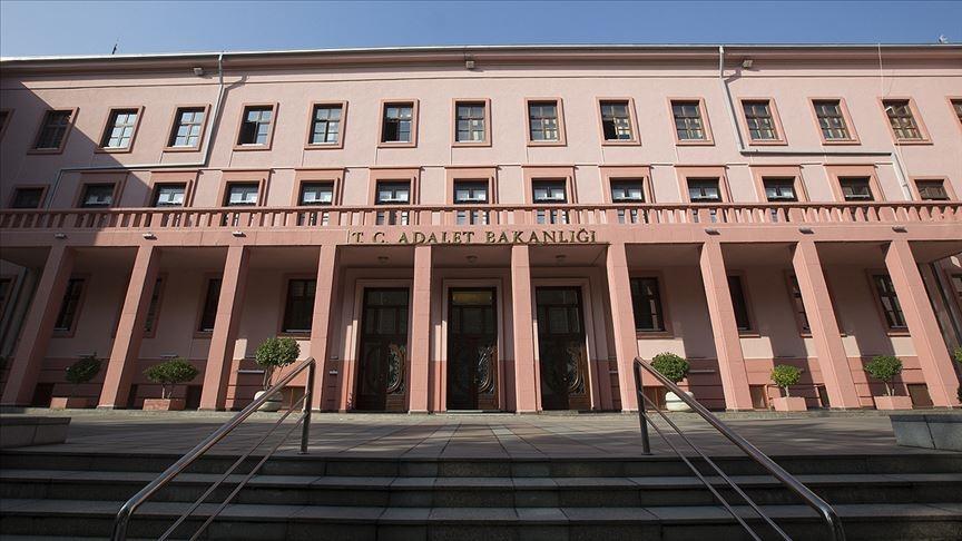 Adalet Bakanlığı'nın 1442 yeni personel alımı ilanı Resmi Gazete'de yayımlandı