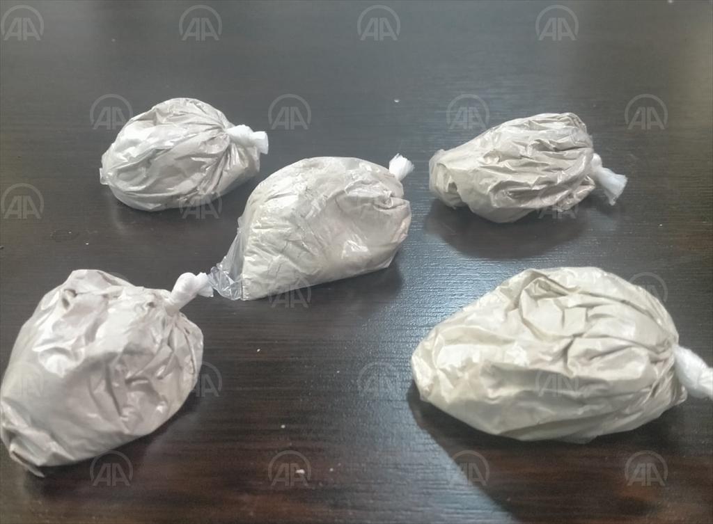 Ankara'da uyuşturucu sattığı belirlenen şüpheli kovalamacayla yakalandı