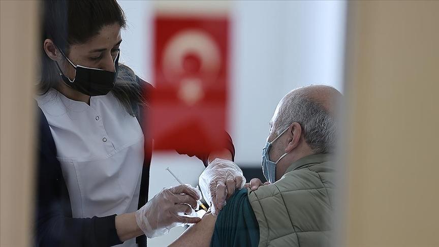 Kovid-19'la mücadelede ülke genelinde iki doz aşı yaptıranların sayısı 10 milyonu geçti