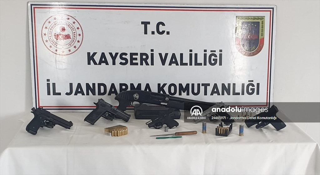 Kayseri'de silah kaçakçılığı operasyonunda 9 kişi yakalandı