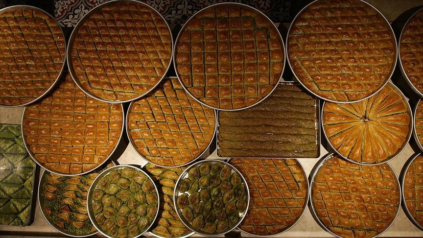 Gastronomi kentinin baklavacılarını bayram telaşı sardı