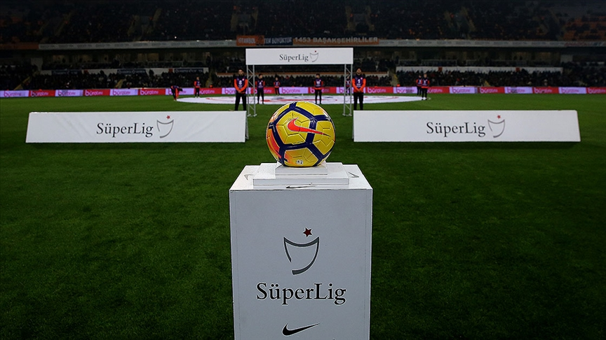 Süper Lig'de takımlar şampiyonluğun yanı sıra büyük bir geliri de kovalıyor