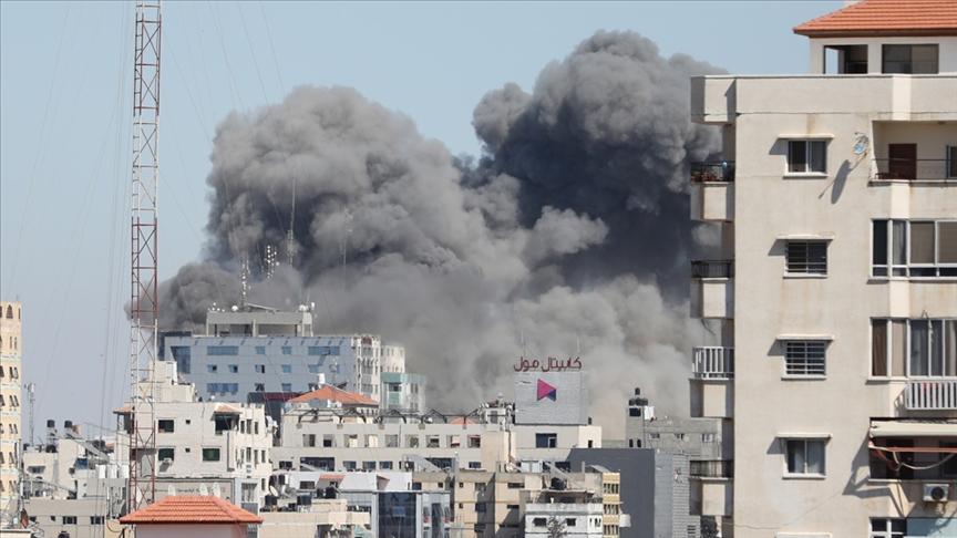 İsrail ordusu, AP ile Al-Jazeera'nın ofisinin de olduğu binayı yerle bir etti!