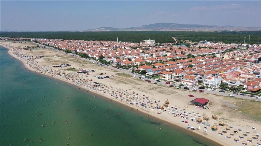 Saros Körfezi sahillerinde bayram hareketliliği yaşanıyor
