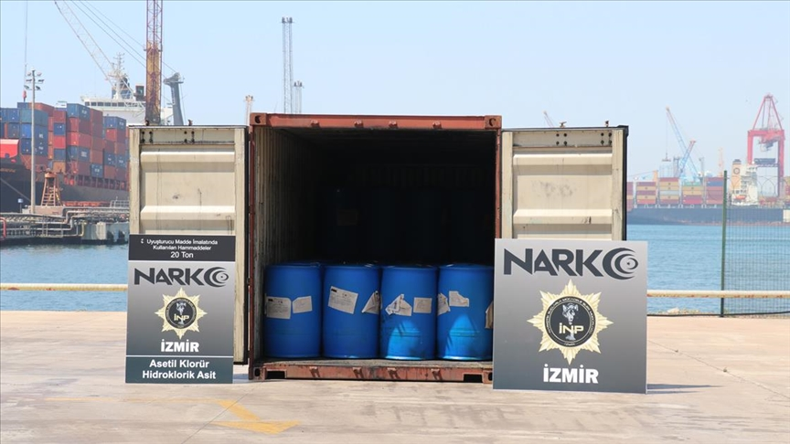 İzmir'e Çin'den getirilen bir konteynerde uyuşturucu yapımında kullanılan kimyasal madde ele geçirildi