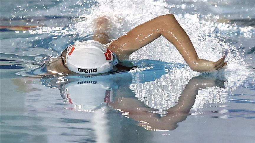 2020 Tokyo Olimpiyat Oyunlarında milli yüzücü Defne Taçyıldız yarı finalde