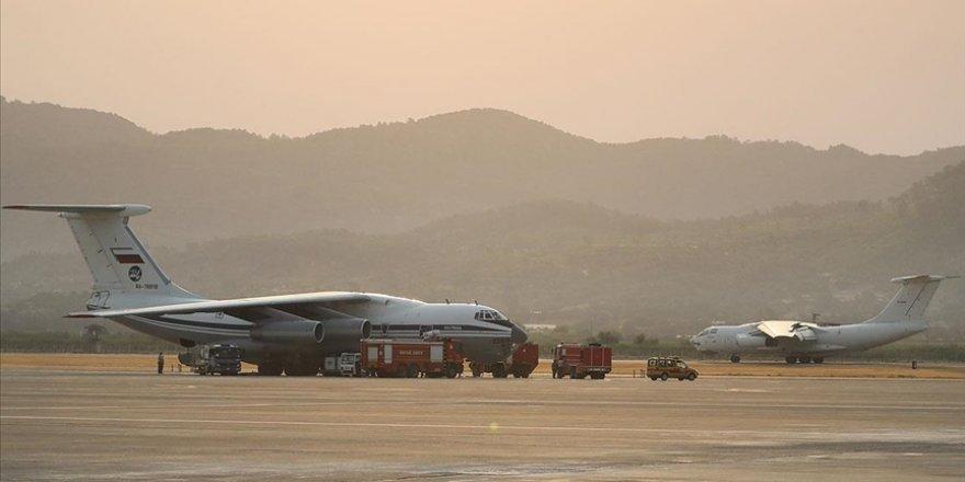 Alevlere karşı zamanla yarışan uçak pilotlarının zorlu mesaisi başladı