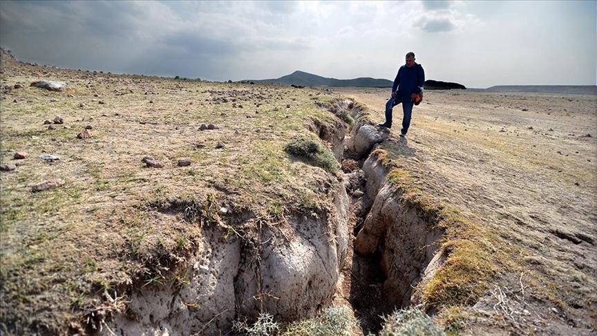 Konya AFAD'ın yüzey yarıkları raporunda, yer altı su seviyesinin azalmasına dikkat çekildi!