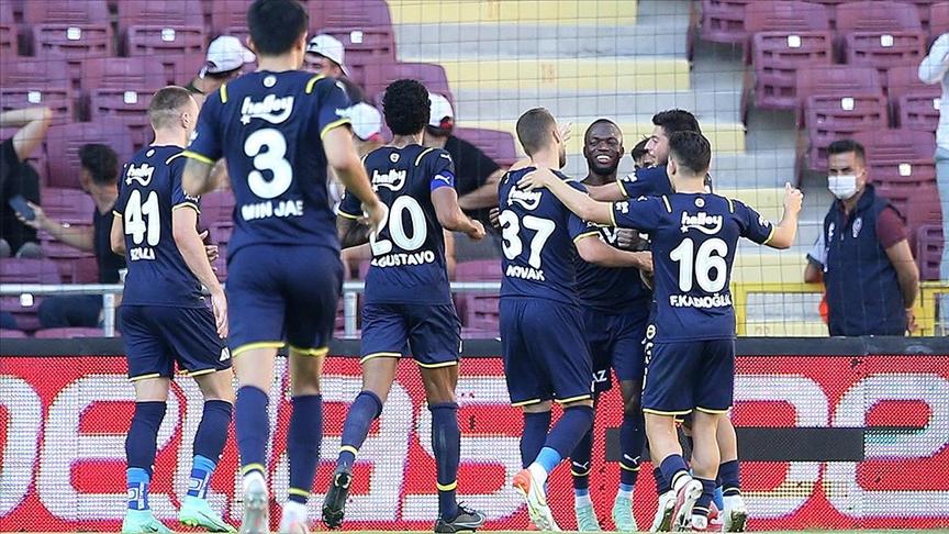 Fenerbahçe Hatay deplasmanından lider dönüyor
