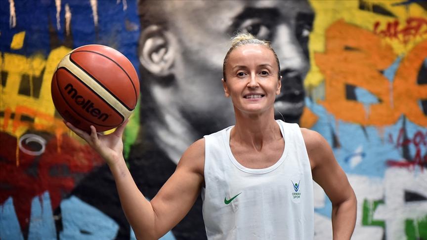 Kadın basketbolunun eskimeyen yüzü Kartaltepe, Fenerbahçe günlerini unutamıyor!