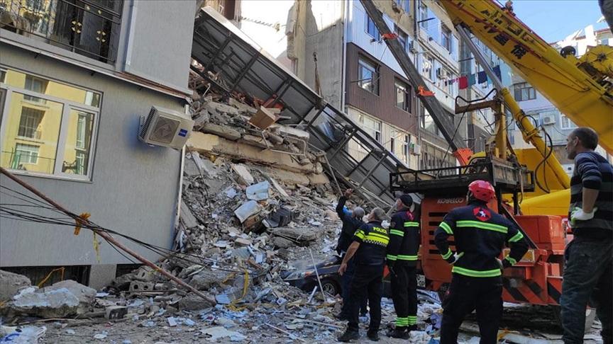 Gürcistan'da 7 katlı bina çöktü!