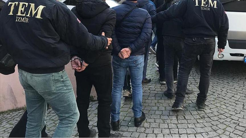 İzmir merkezli 41 ilde FETÖ'nün TSK yapılanmasına operasyon: 97 gözaltı