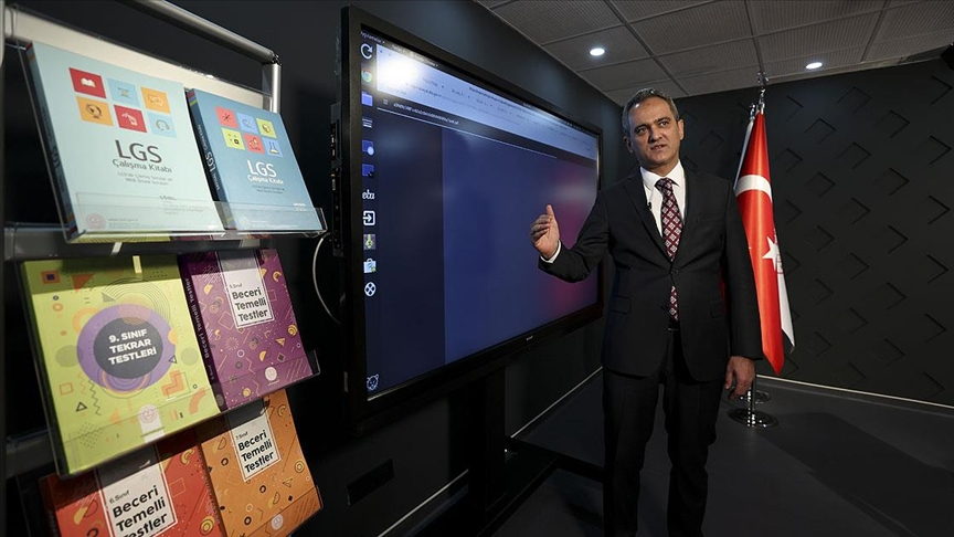 'Tüm eğitim kademelerinde yardımcı kaynaklar ücretsiz dağıtılacak'