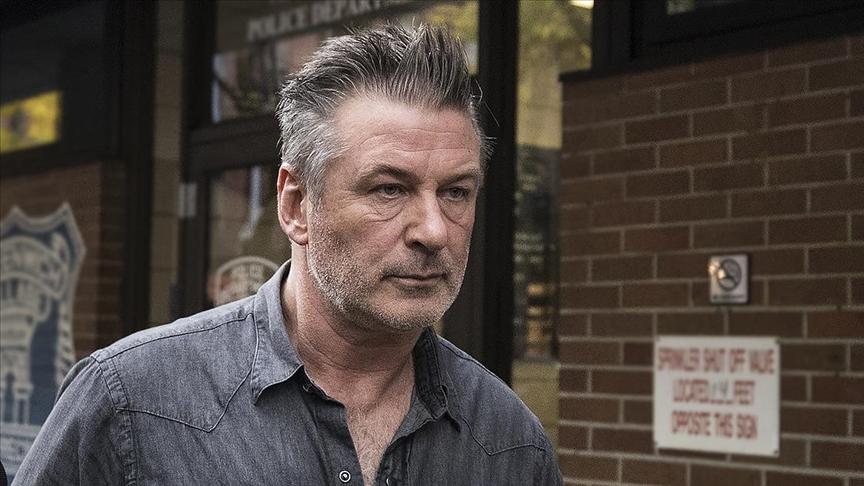 ABD'li aktör Baldwin, film setinde kaza sonucu kullandığı silahla görüntü yönetmenini öldürdü