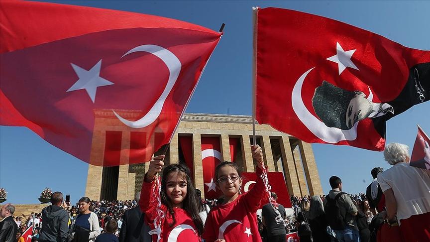 'TÜRKİYE CUMHURİYETİ 98 YAŞINDA!'