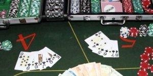 Konya'da kumar oynayan 8 kişiye 9 bin 800 lira ceza