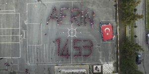 Öğrencilerden Mehmetçik'e anlamlı destek