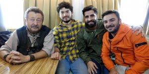 İnternet fenomeni 'Kafalar' usta oyuncuları 'Kafalar Karışık'ta buluşturdu