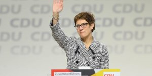 Almanya'da Merkel'in halefi Annegret Kramp-Karrenbauer oldu