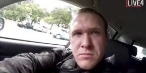 Yeni Zelanda'da camilere saldıran terörist hakim karşısında!