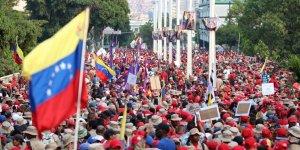 Venezuela'daki darbe girişimi ters tepti!