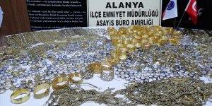 Antalya'da 20 kilo 318 gram sahte altın ele geçirildi!
