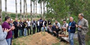 Görev başında vefat eden Abdulkadir Nişancı mezarı başında anıldı