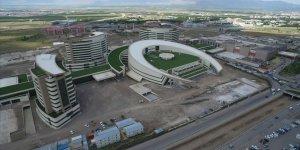 Erzurum Şehir Hastanesi hizmete açılmak için gün sayıyor