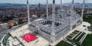 Büyük Çamlıca Camisi'nde Yaz Kuran Kursu Şenliği