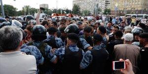 Rusya'da seçim protestosu: 300 gözaltı