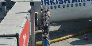 Nijerya'da serbest bırakılan denizciler Türkiye'de..
