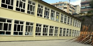 Avcılar'da iki okulda eğitime ara verildi
