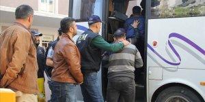 İzmir merkezli FETÖ operasyonunda gözaltı sayısı 118'e yükseldi