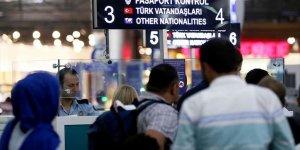 Pasaport polislerine turkuaz yelek
