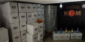 Alanya'da yılbaşı öncesinde 2 bin 484 şişe kaçak ve sahte içki ele geçirildi