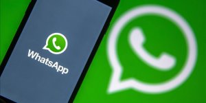 Üniversiteliler günde en az 5 saat WhatsApp'ta..