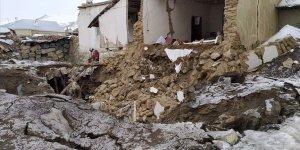 İran'daki Deprem Van'ı da Vurdu!