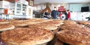 Aksaray'da sahur sofralarının lezzeti: TAHİNLİ PİDE