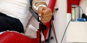 Koronavirüs hastalarının destekçisi 'virüsü yenenler' oldu!