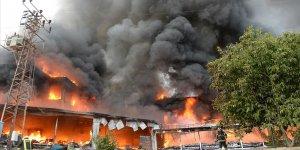 Tokat'ta bir AVM'de çıkan yangın kontrol altına alındı
