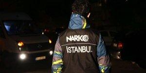 Yaklaşık 1 yıl süren takibin ardından düzenlenen uyuşturucu operasyonunda çok sayıda şüpheli yakalandı