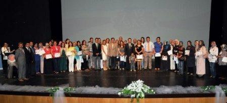 7-19 yaş aile eğitimi programına katılan 500 veli sertifika aldı