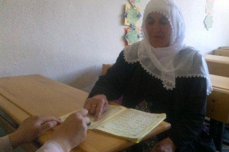 94 yaşında Kur'an-ı Kerim okumayı öğrendi