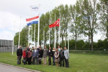 Adanalılar Hollanda'ya çıkarma yaptı
