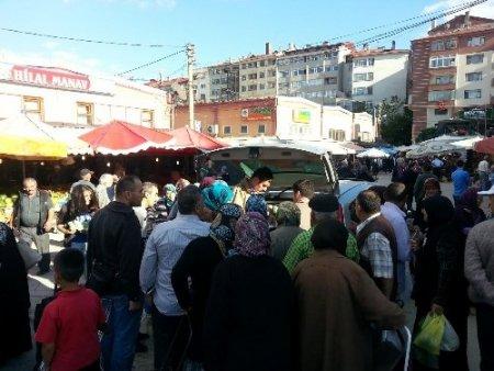 AK Parti Gençlik Kolları ayran dağıttı