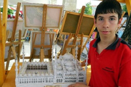 Akçakoca'da örgün eğitim kurumları sergisi açıldı